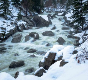 Running along Icicle Creek during the winter provides amazing sights and sounds.